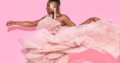 """Laura Mvula'nın bireysel savaşlarla yoğrulan yeni albümü: """"Pink Noise"""""""
