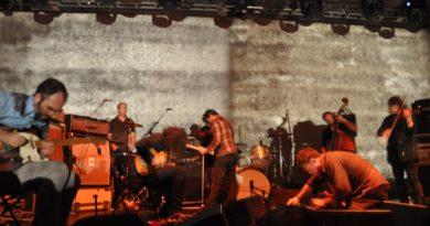 Godspeed You! Black Emperor'dan sonlar ve başlangıçlar için şarkılar