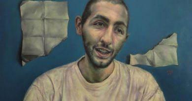 3 soruda Adrian Goma ve izleyenle oyun oynamayı seven portreleri