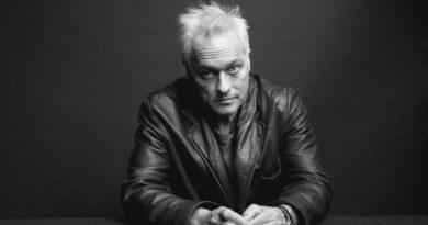 Marc Ribot kitap yazdı: Bir noise gitaristinin bağırışları ve hikâyeleri