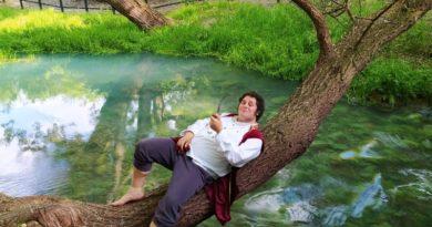 İtalya'da hobbit yaşamı sürmeye başlayan kişi ve diğer haberler #dünyadönüyor