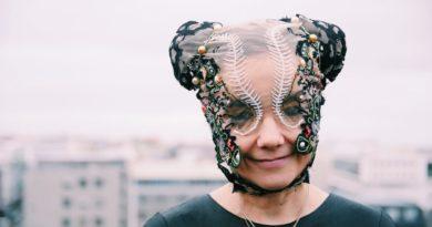 Björk, ev diskosu deneyimini albüme çeviriyor