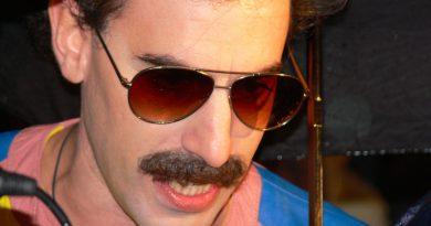 Sacha Baron Cohen, Freddie Mercury filmini yazacak ve yönetecek