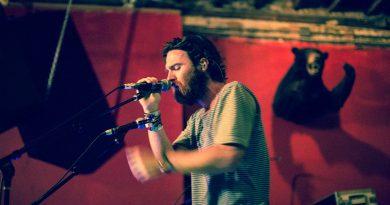 Günün şarkısı: Chet Faker – Talk Is Cheap