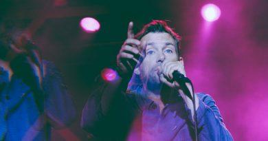 Günün şarkısı: Blur – Trouble In The Message Centre