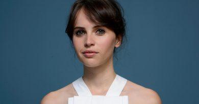 "Felicity Jones, yeni ""Star Wars"" spinoff'unda başrol oynayacak"