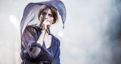 Bir yeni albüm müjdesi de Florence and the Machine'den