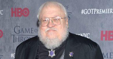 """George R.R. Martin, """"Game of Thrones""""un beşinci sezonuyla ilgili """"kanlı"""" haberler verdi"""