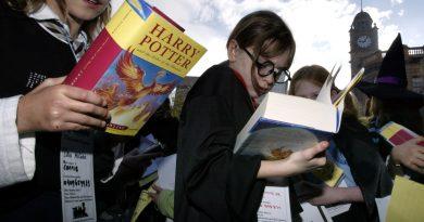 İtalya'dan ilginç araştırma: Harry Potter okurları daha iyi insan oluyormuş