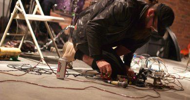 Amerikalı noise grubu Zs'in beyni Sam Hillmer bu gece arkaoda'da!