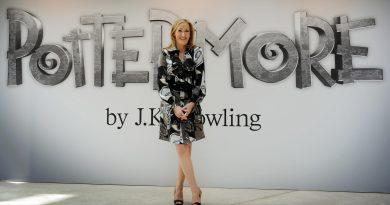 """J.K. Rowling, """"Harry Potter"""" okuyucularından bir karakterin ölümü için özür diledi"""