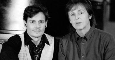 Paul McCartney ve Johnny Depp'ten yarım saatlik emprovize performans!
