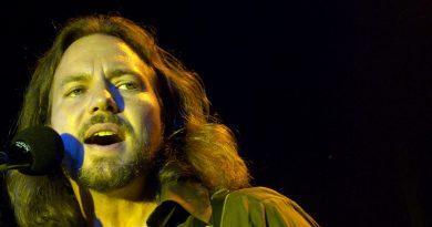 "Eddie Vedder'dan ""Imagine"" yorumu"