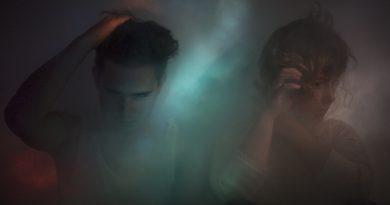 """Yoldaki Purity Ring albümünden bir şarkı daha: """"Repetition"""""""