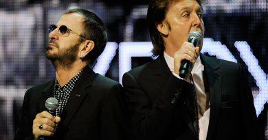 """Ringo Starr'ın """"Hall Of Fame""""e katılacağı gecenin sunucusu Paul McCartney oldu!"""