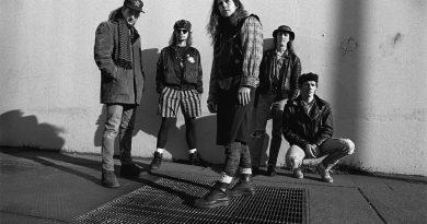 Günün şarkısı: Pearl Jam – Rearviewmirror
