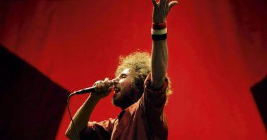 Günün şarkısı: Rage Against The Machine – Take The Power Back