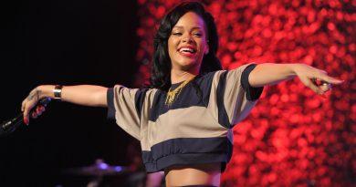 """Yeni """"James Bond"""" filmi için Rihanna gündemde"""