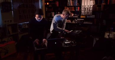 Video: Kiasmos'tan 27 dakikalık canlı performans
