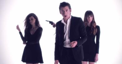 "Mini Mansions'ın Alex Turner'la düeti ""Vertigo""nun klibi yayınlandı!"