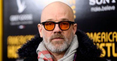 """Michael Stipe: """"Müziğe devam edeceğim fakat R.E.M. tekrar bir araya gelmeyecek"""""""