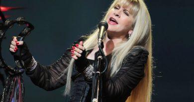 Stevie Nicks, kendisini çektiği fotoğraflarından sergi yapıyor