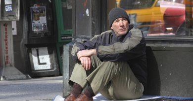 """Richard Gere'in evsiz bir adamı canlandırdığı """"Time Out Of Mind""""dan yeni fragman"""