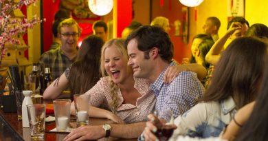 "Amy Schumer ve Bill Hader'lı komedi ""Trainwreck""ten yeni fragman"