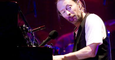 """Thom Yorke ve gizemi çözülemeyen """"beyaz plak"""""""